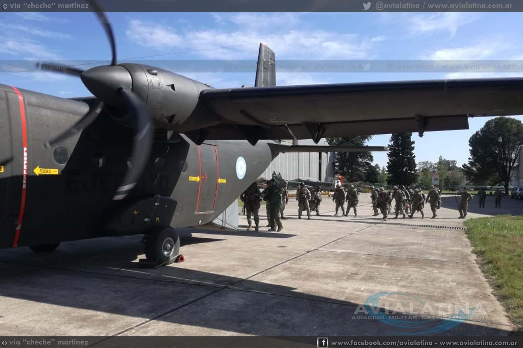 Salto de Paracaidistas con la Aviación de Ejército