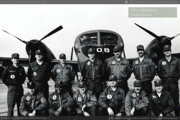 El 69-17008 en sus épocas destacado en Alemania con la 73rd MI Co. Stuggart, Abr76. (OV-1 Mohawk Assoc)