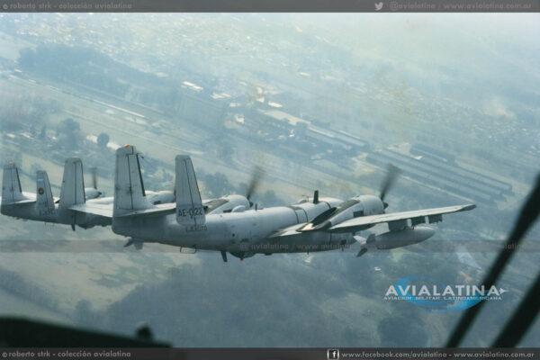 El AE-022 fotografiado instantes antes del accidente que determinaría su baja, el 16Sep97. (Roberto Strk)