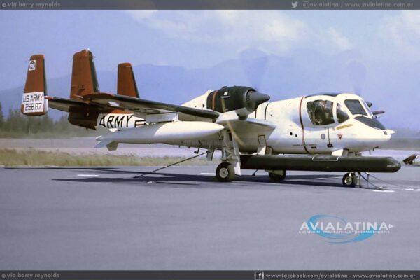 """Vistosos esquema del del """"887"""" mientras operaba con la 236th Av Co en Alaska (via Barry Reynolds)"""
