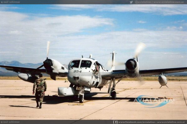 Último vuelo con tripulaciones del US Army para su entrega a la Alfa Eco. (Raúl Schirmer).
