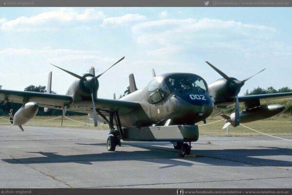 Entre los OV-1D enviados para reequipar la 122nd Avn Co se encontraba el 69-17002, que luego sería el AE-038. (Chris England)