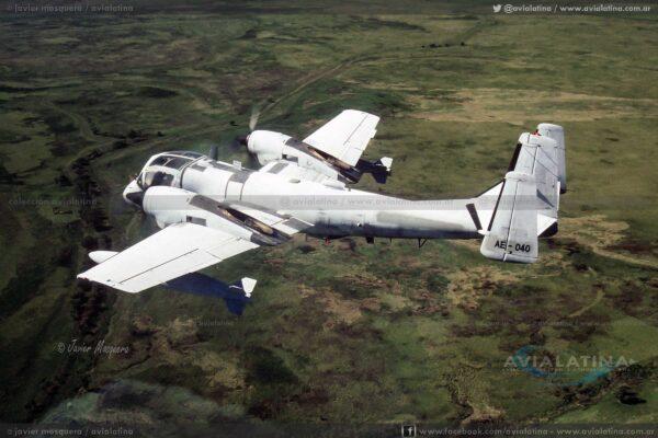 El AE-040 durante una salida fotográfica el 22Abr95 , cerca de Mercedes (Bs. As.). (Javier Mosquera)